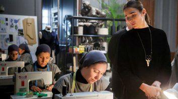 Un mundo entre costuras. Juana Viale protagoniza esta historia, que transcurre en el universo de la moda.