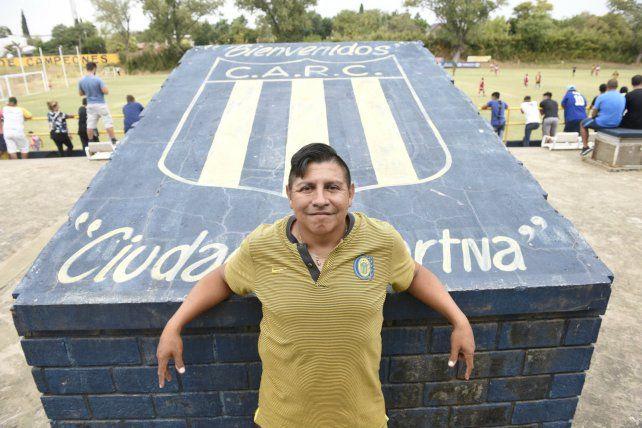 El Puma disfruta del mundo canalla como entrenador de inferiores.