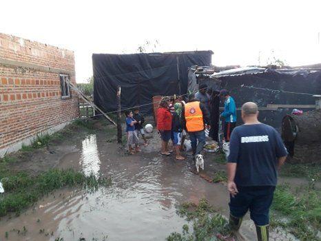 asistencia. La ayuda llegó a los vecinos de mano de Protección Civil