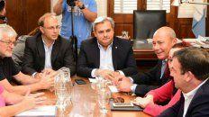 Saglione y Farías encabezan la paritaria con los estatales.