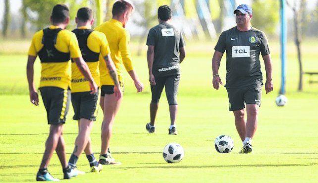 Entrenador. Leo Fernández estará al frente del equipo en el country.