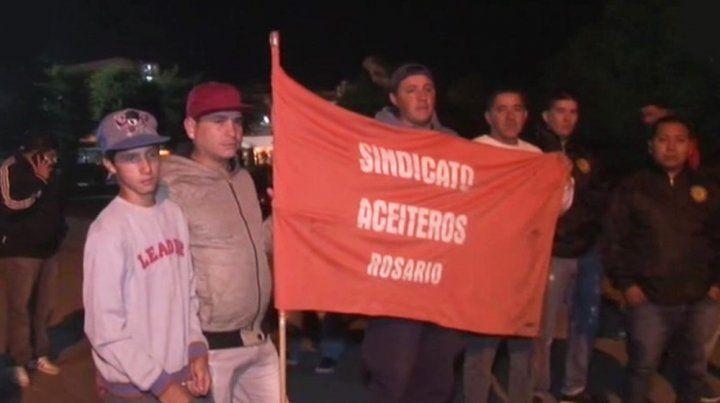 Los aceiteros comenzaron esta noche un paro en la planta de Cargill. (Foto: captura de TV).