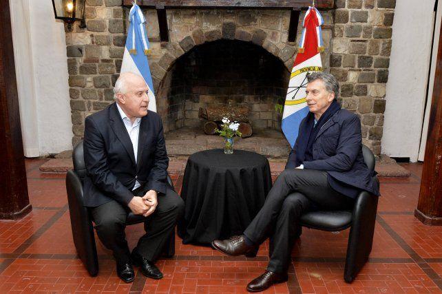 Lifschitz se diferenció del gobierno de Macri no solo en materia salarial sino también social y política.