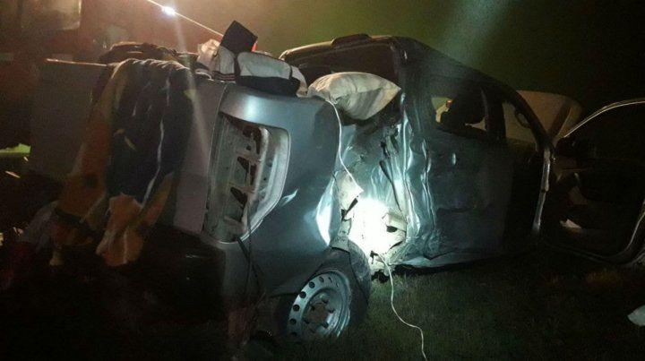 La camioneta Ford Ranger donde viajaban las víctimas.