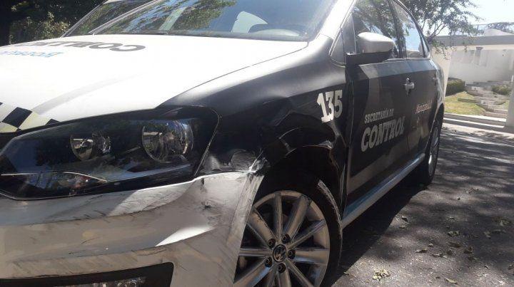 No tenía carné de conducir, agredió a dos inspectoras y quiso darse a la fuga