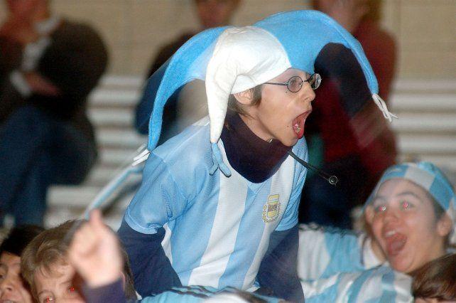 La alegría de los alumnos con la selección argentina.