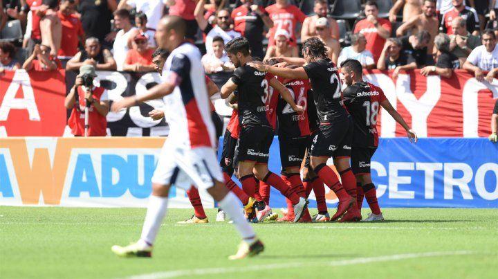 Triunfo en casa. Newells se repuso de las lesiones y derrotó a Tigre en el Coloso.
