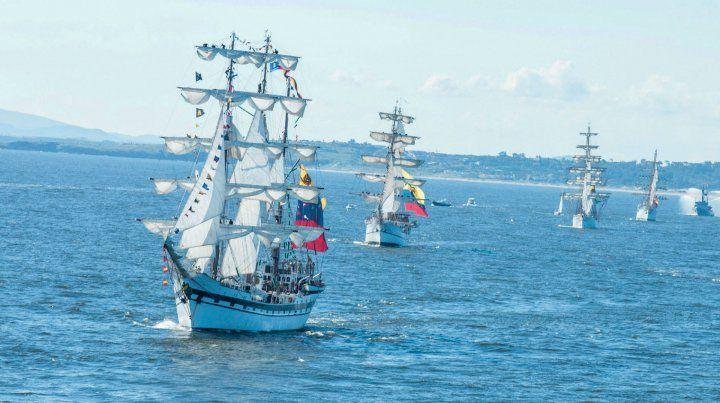 De otra época. Las históricas naves surcarán las aguas uruguayas.