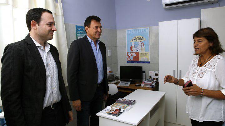 Supervisión. El intendente Raimundo junto al concejal Ore y la subsecretaria Susana Diana.