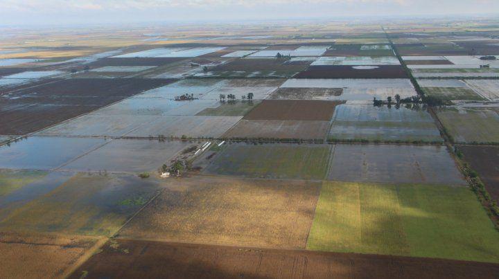 La imagen tomada en 2016 refleja cómo vastas zonas de los departamentos Castellanos y Las Colonias sufrieron graves inundaciones.