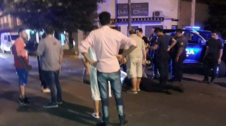 Atropelló y arrastró en su auto a un policía al escapar de un control de alcoholemia