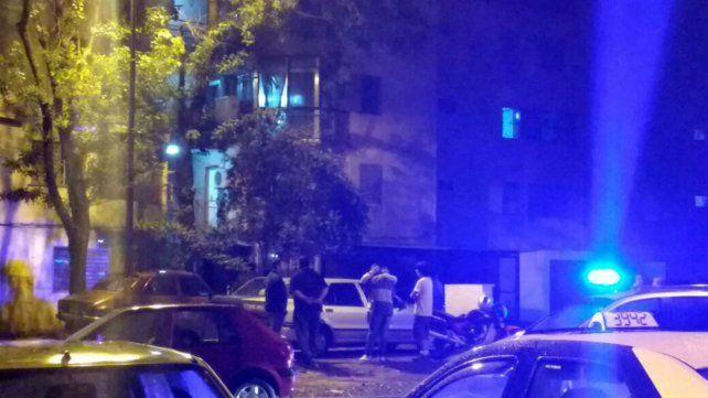 La balacera ocurrió en el Fonavi de barrio Latinoamérica.