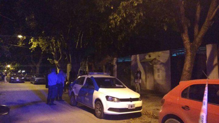 Hallaron un hombre asesinado en su casa con múltiples puñaladas