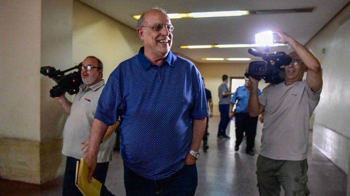 Bermúdez salió sonriente de la reunión con el juez Bellizia.