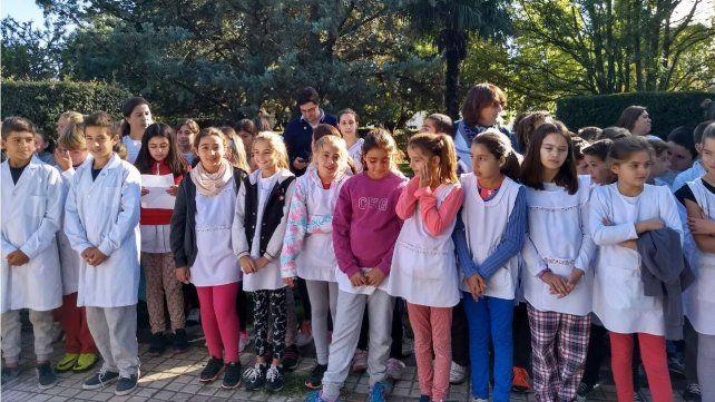 Un excombatiente rosarino sorprendió a la nena que le escribía cartas a Malvinas