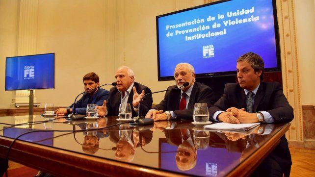 El gobernador Miguel Lifschitz llamó a la reflexión a los gremios que nunclean a docentes y estatales.
