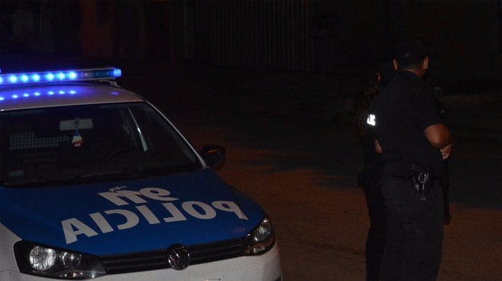 Fatal. Un hombre murió tras ser baleado en la puerta de su casa en VGG.