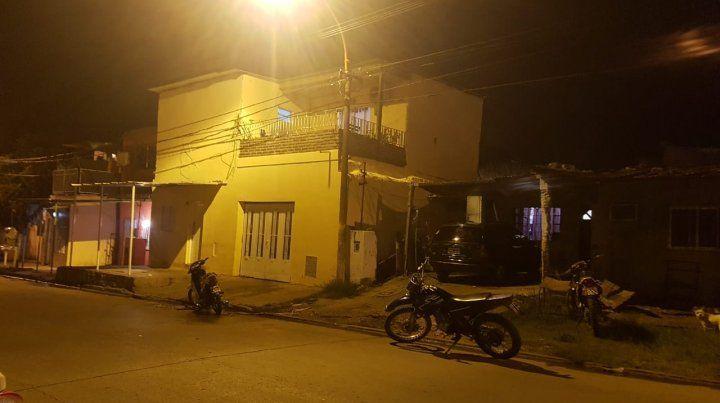El frente de la casa donde fue baleada la víctima.