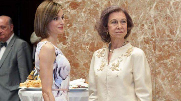 Crece la tensión porque Letizia no permitió una foto de sus hijas con Sofía