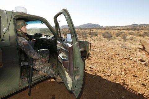 Controles. Los reservistas ya fueron enviados a la frontera con México durante los gobiernos de Bush y Obama