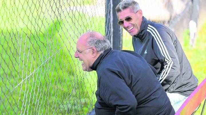 ¿De qué se ríen? El presidente Bermúdez y el vice DAmico
