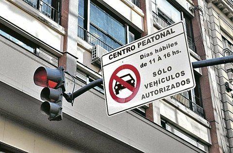 capital federal. En Buenos Aires extendieron hace días las zonas vedadas a vehículos no autorizados.