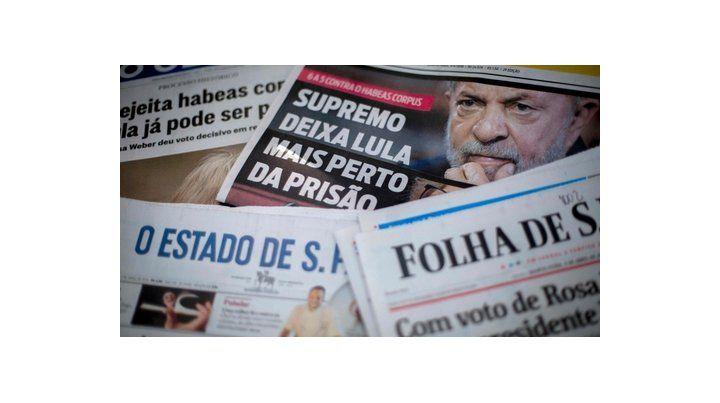 Cuenta regresiva. Los diarios brasileños publicaron en sus portadas el fallo contra el ex presidente.
