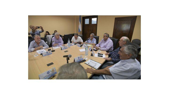 Los dirigentes gremiales buscan reemplazar la conducción tripartita.