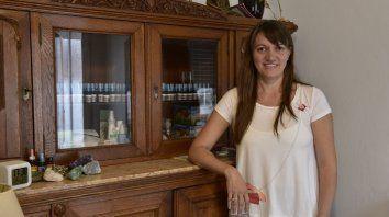 Carolina Campra dirige el curso de posgrado Las esencias florales en el cuidado de la salud que se dicta en Medicina.