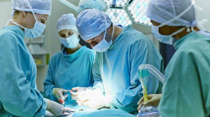 Cirugía. La detección temprana permite hasta 90% de curación.