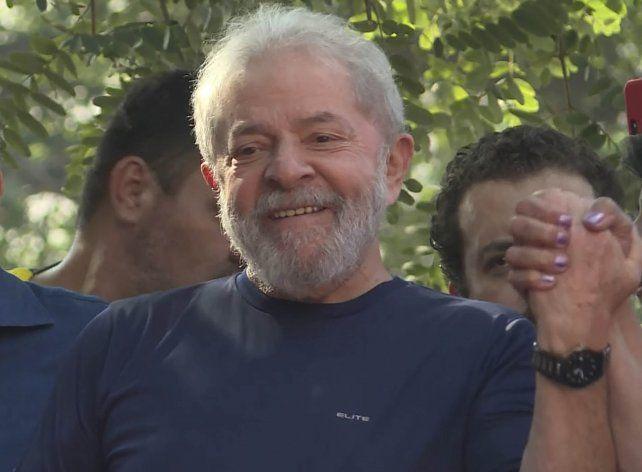 Lula aseguró que cumplirá el mandato y se entregará ante la Justicia.