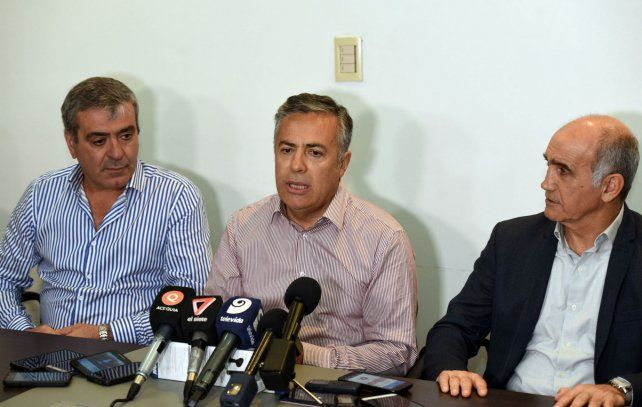 El gobernador cuyano Alfredo Cornejo encabezó las deliberaciones del radicalismo.