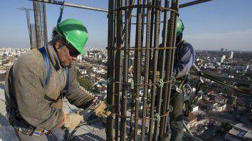 Arriba. La construcción creció 8%, equivalente a 2.637 empleos más.