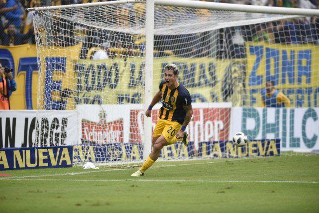 Ayer. Zampedri celebra con furia el gol que se le venía negando. Fue el 2-0 parcial.