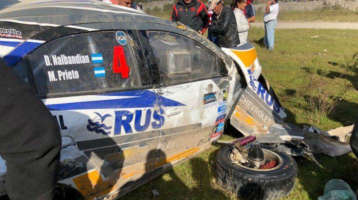 Nalbandian volcó con su auto en el rally de Tafí del Valle
