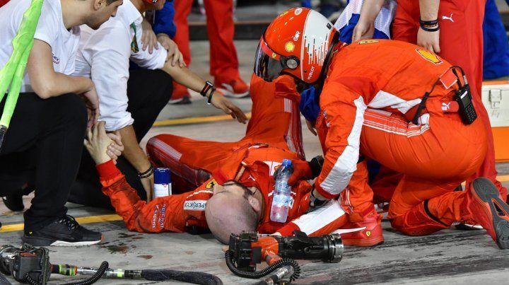 Raikkonen atropelló a un mecánico y le fracturó la pierna