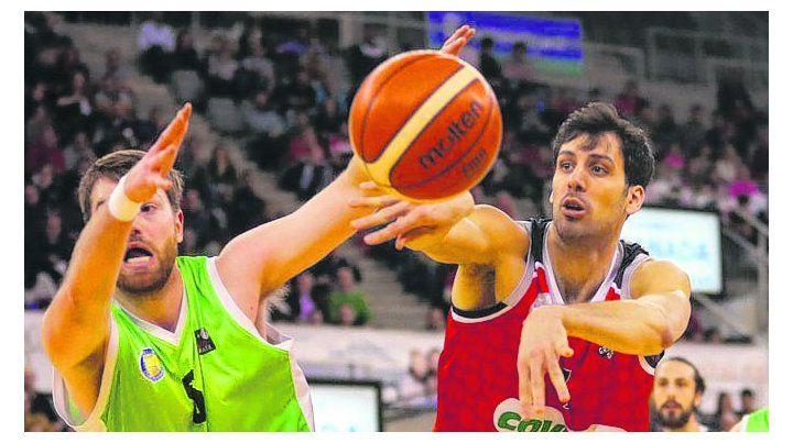A un paso del objetivo. Alejandro Bortolussi se destacó y Granada acaricia el título.