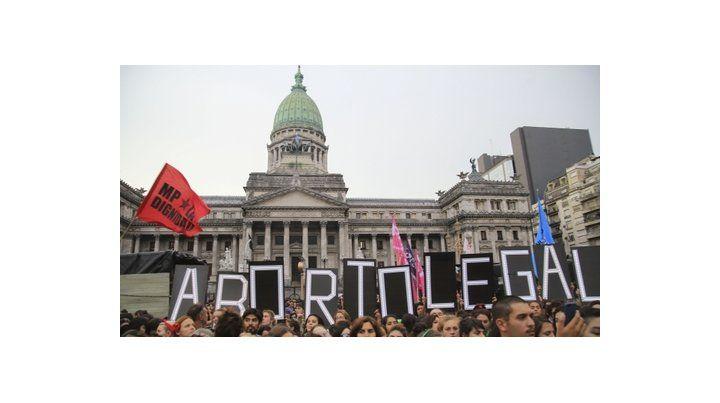 parteaguas. Los grupos abortistas alegan derechos de la mujer. Los antiabortistas