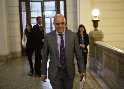 El fiscal Ponce Asahad imputó a un policía federal y una mujer.