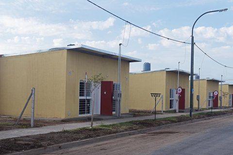 casa propia. Las viviendas son financiadas en un 70% por la Nación.