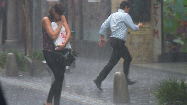 El Servicio Meteorológico dice que este miércoles habrá que salir con paraguas.