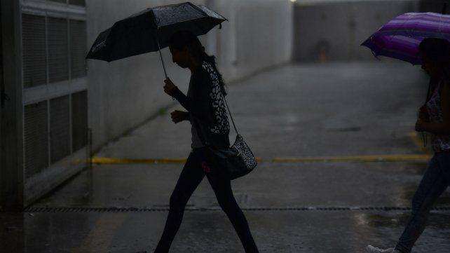Siguen vigentes los pronósticos de lluvias y tormentas durante la mañana