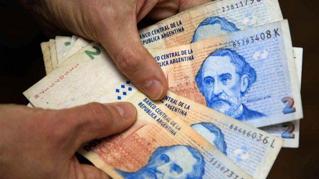 La Asociación Empresaria pide prorrogar el canje de billetes de dos pesos