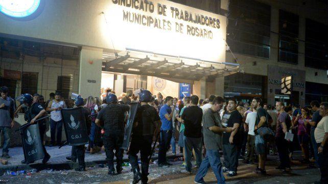 Los enfrentamientos fueron el martes en la sede del sindicato en Entre Ríos al 1200.