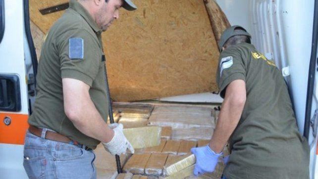 Una narcoambulancia llevaba una falsa paciente y 400 kilos de marihuana