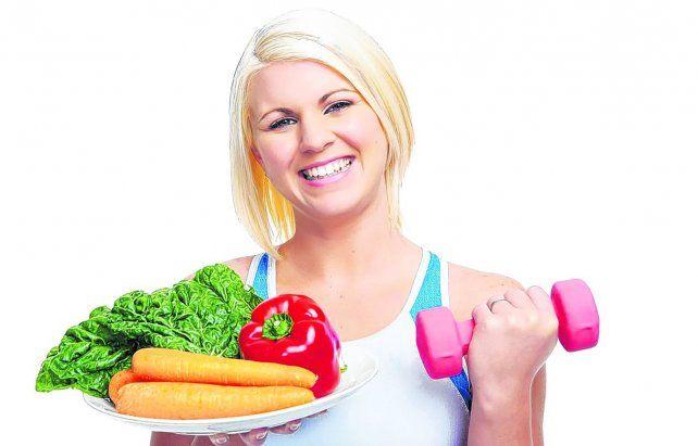 Hay una tendencia a acumular grasa alrededor de la parte media del cuerpo. Además de la mala alimentación
