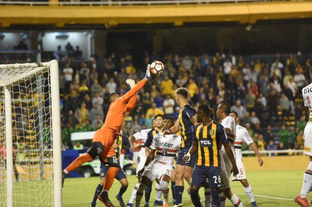 Central fue más que San Pablo pero no estuvo fino y se debió conformar con un empate