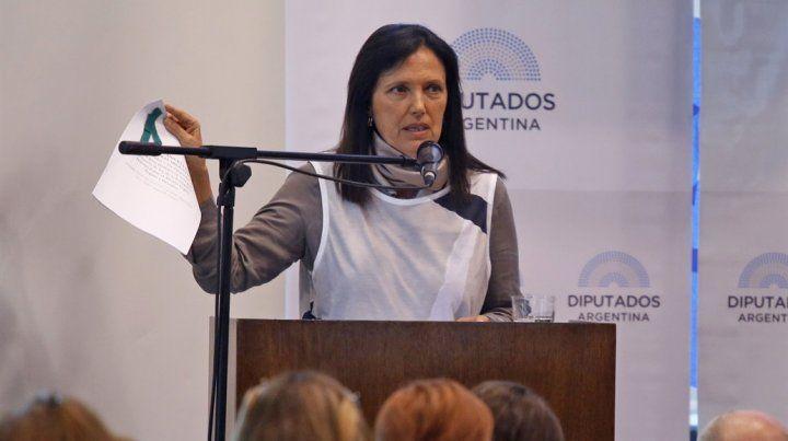 La escritora Claudia Piñeiro fue una de las expositoras de la segunda jornada de debates.