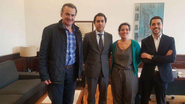 Galassi y los socialistas portugueses André y Torres y la asesora Dornelas.