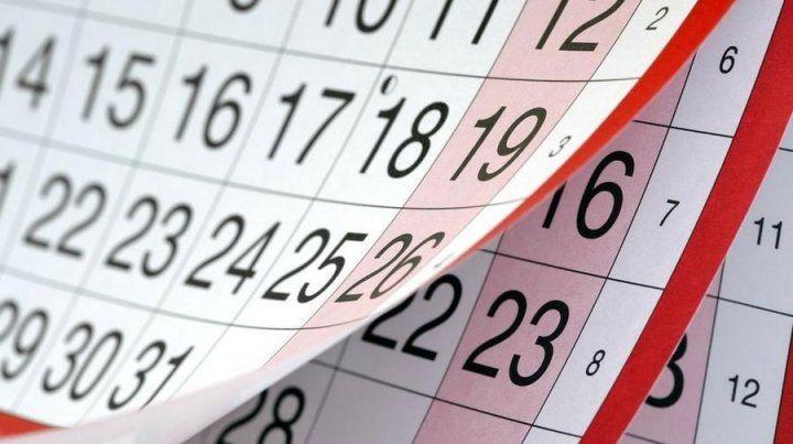 ¿Es feriado puente o no el lunes 30 de abril?